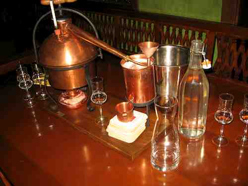 tabletop distillery - I want one of these!