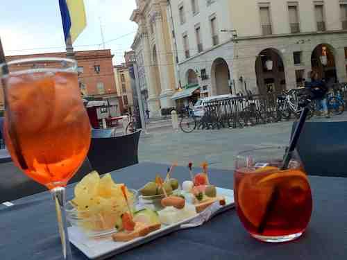 Aperitivo hour in Parma